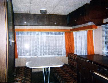 Comment renover linterieur dune caravane gallery of for Peindre interieur caravane